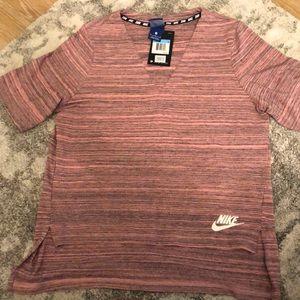 NWT Women's Nike Shirt Medium